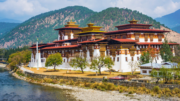 Bhutan Travel Guide] 10 Things You Must Know Before Traveling to Bhutan!